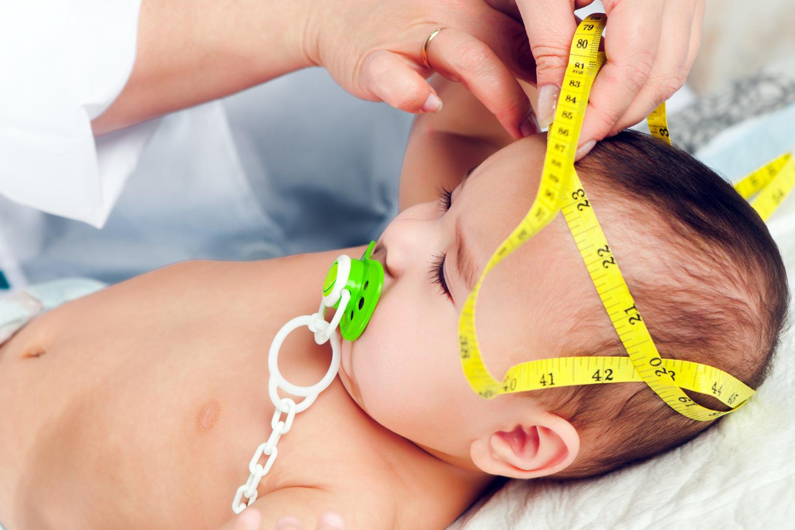 «Зачем у грудничка измеряют окружность головы?»