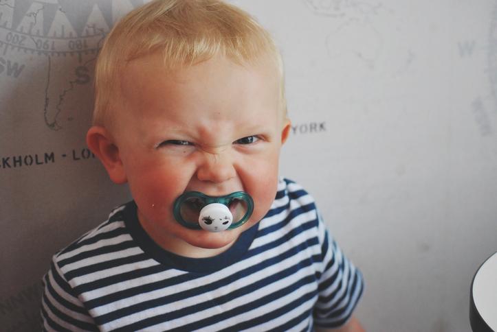 Приступы злости у малыша: как ему помочь?