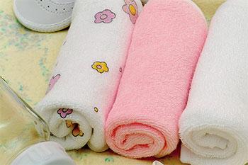 Как стирать вещи для новорожденных?