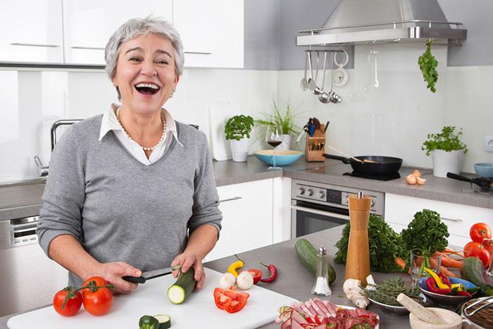 Домохозяйка в возрасте