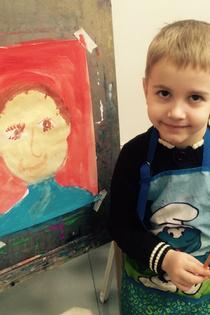 Макс рисует