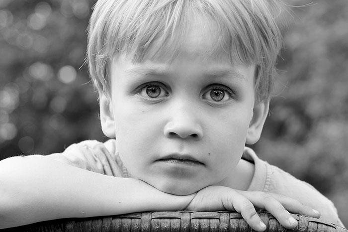 Детские неврозы и навязчивости: лечить или перевоспитывать