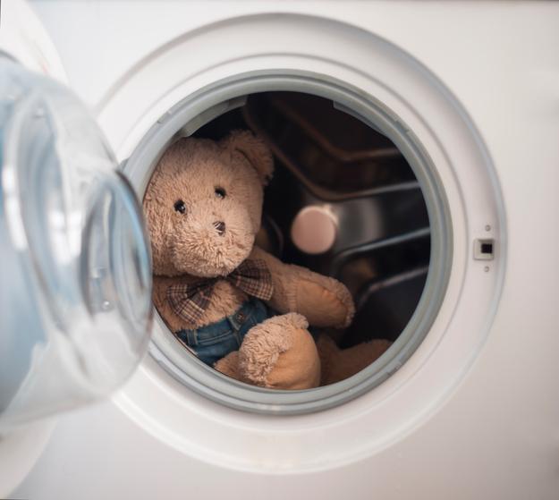 Нужно ли мыть игрушки?