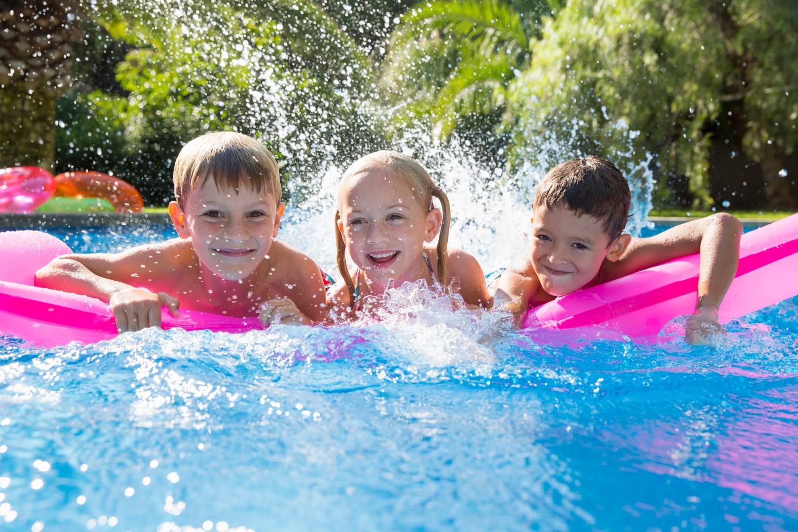 15 правил безопасности у водоемов