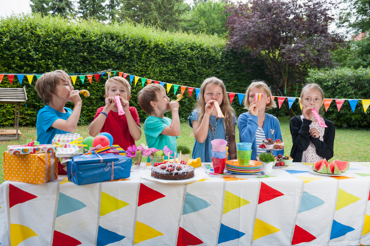 7 способов быстро помирить детей на празднике