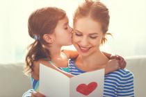 «Дочка постоянно признается мне в любви»