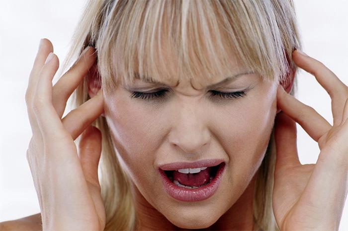 Боль в ухе после удаления зуба