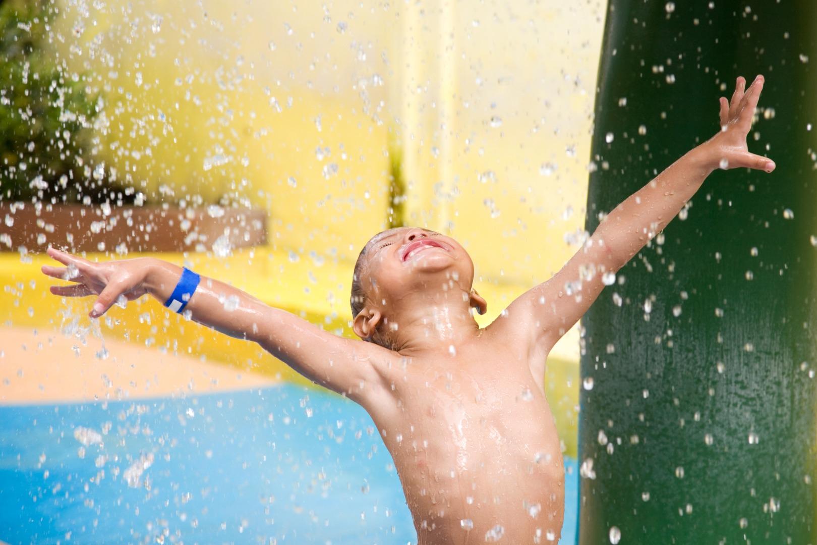 7 веселых игр в аквапарке