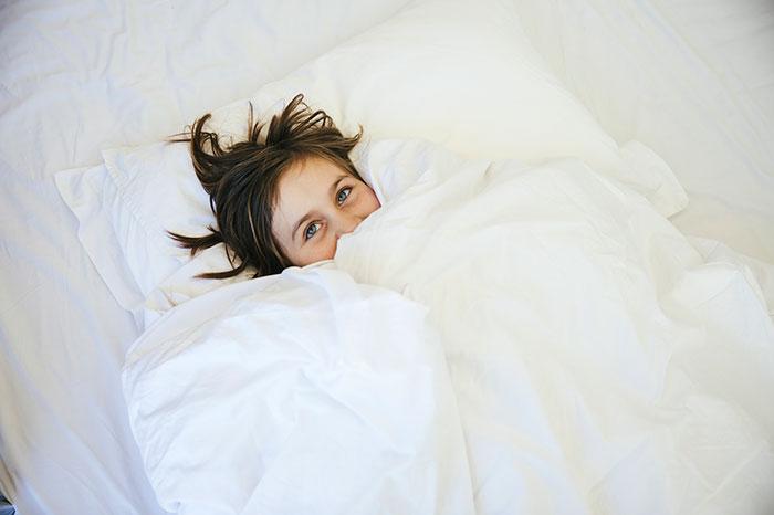 Вопрос психологу: Дочка боится засыпать одна
