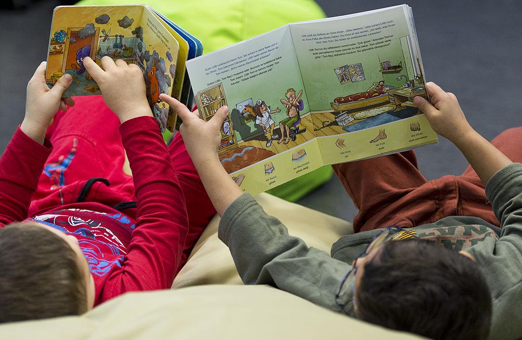 Малыш не хочет, чтоб ему читали! Почему?