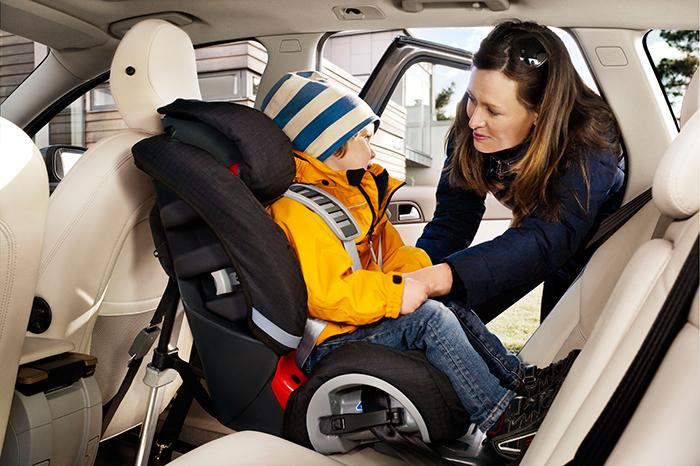 Ребенка укачивает в автомобиле: что делать