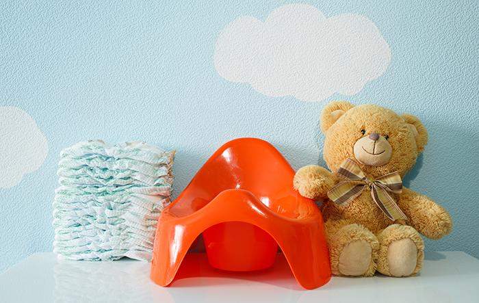 Первый горшок для малыша: критерии выбора