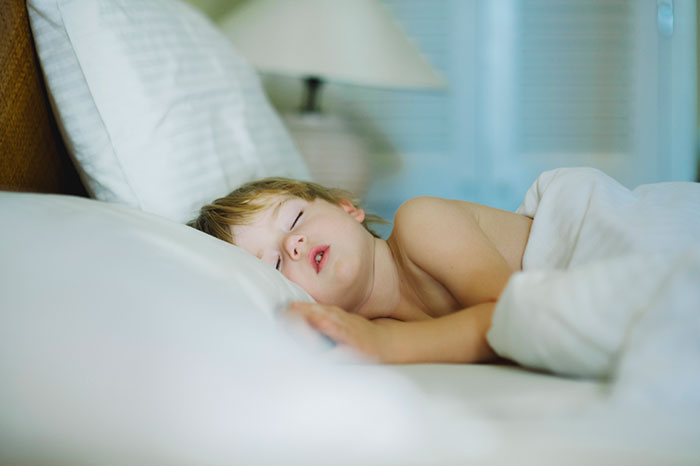Bruxism: why does a child gnash his teeth in a dream