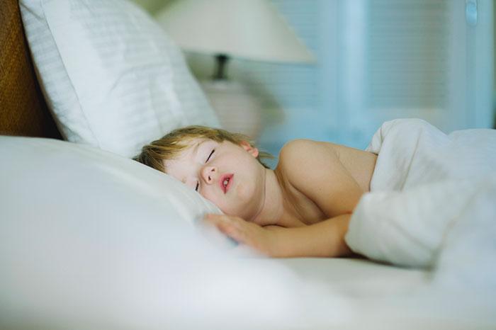 Чавканье и жевание во сне: причины и лечение - экран-строка женские онлайн записи