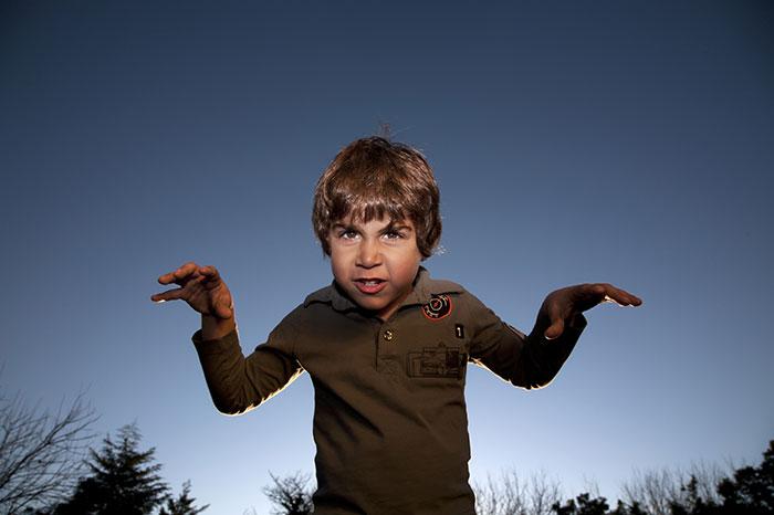 Детские страшилки: зачем дети пугают друг друга