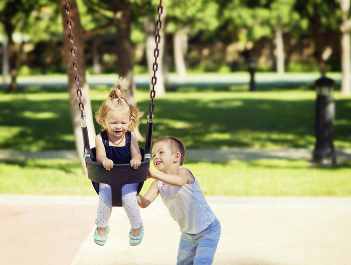 6 советов, как воспитать малыша добрым