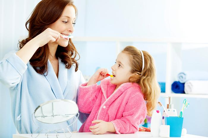 7 способов приучить маленького «нехочуху»  чистить зубы