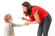 «Сын не дает мне общаться с другими, ревнует»