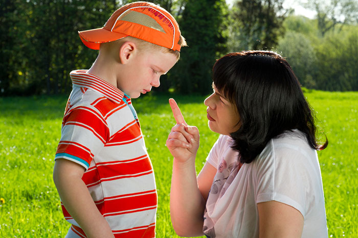 10 phrases from our childhood that are not worth talking to a child