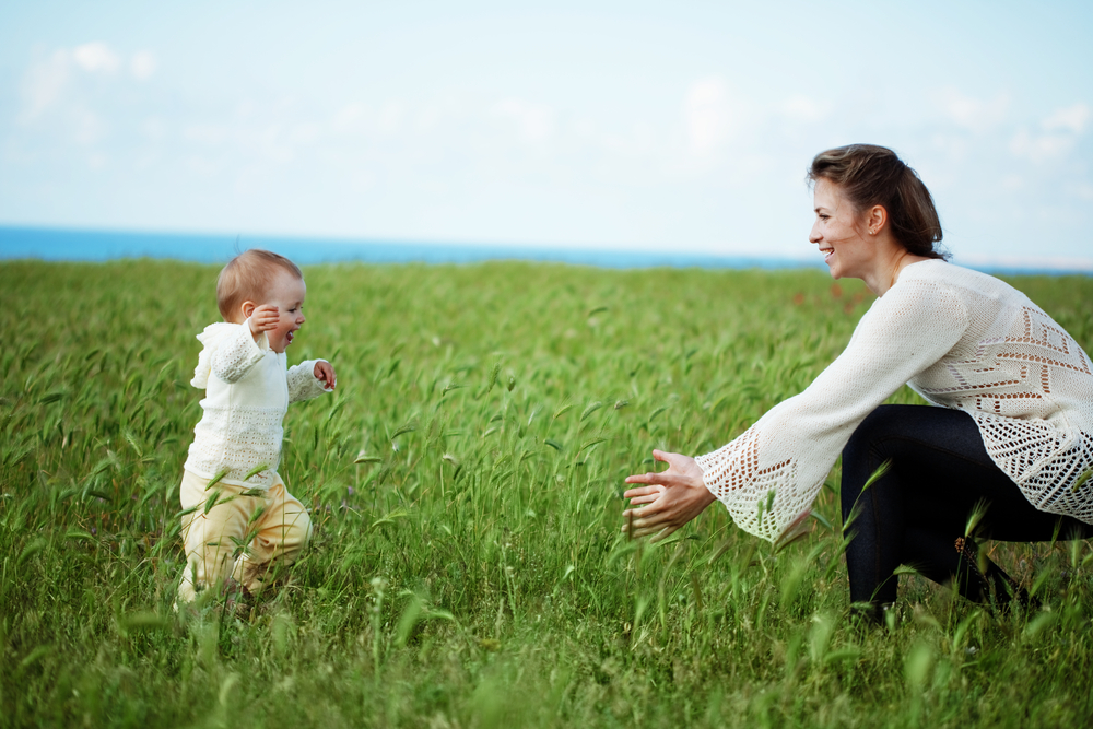 5 ways to talk to a child without words