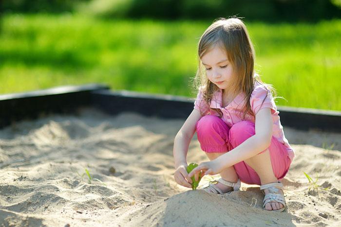 Игры в песочнице: как сделать их полезными для ребенка
