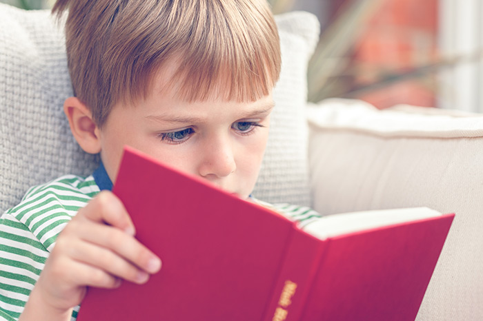 Скорочтение для детей: можно ли научить малыша читать быстро?