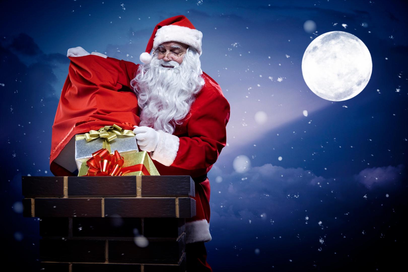 Кто приносит детям подарки в других странах?