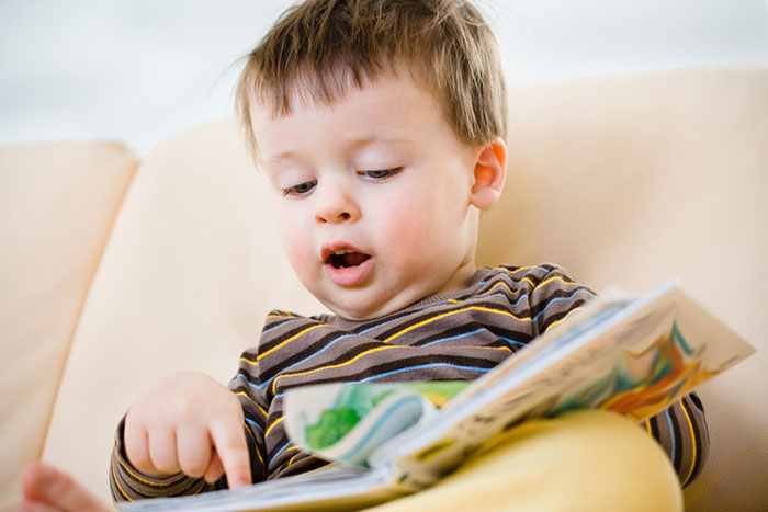 When is it time to teach a child to read: recommendations and a review of techniques