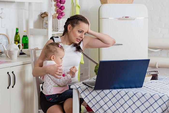 Мама, работающая на дому: 5 вещей, о которых стоит знать заранее