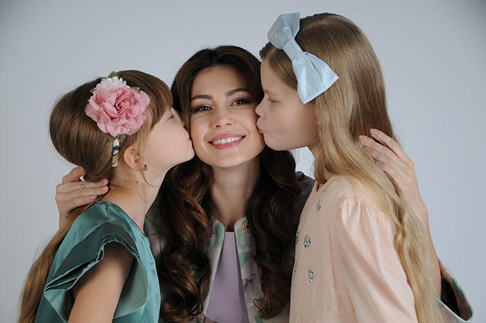 Телеведущая Ольга Ушакова: «Хочу, чтобы дочери любили себя такими, какие они есть»
