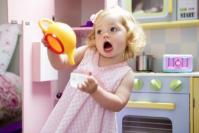 Чай, кофе и какао: когда малышу можно их пить?