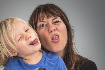 Веди себя прилично: как отучить ребенка от дурной привычки за 3 недели