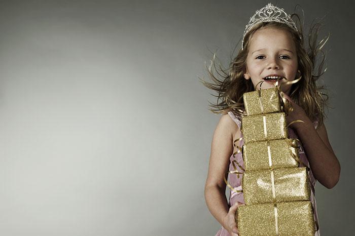 Почему дети ждут от нас подарков?