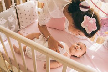 Почему нарушается микрофлора у детей: причины и последствия