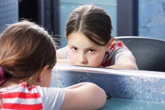 Не родись красивым: как привить эту мысль современному ребенку