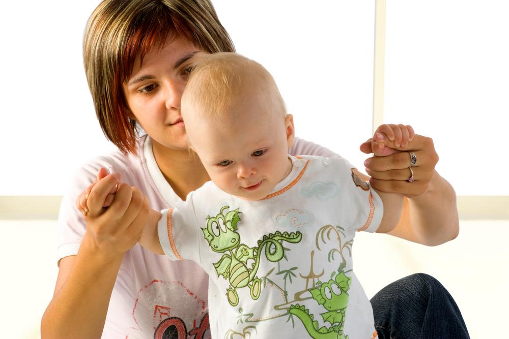 Ранние дети: первые шаги до года