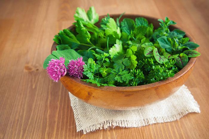 Зеленые витамины: как безопасно выбрать и правильно есть