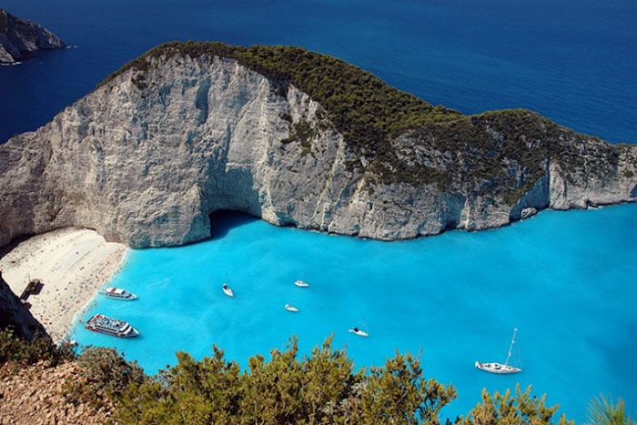 To the sea in September: the emerald island of Zakynthos