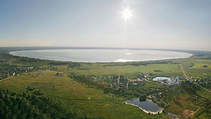 Национальный парк плещеево озеро расположен на юго-западе ярославской области россии