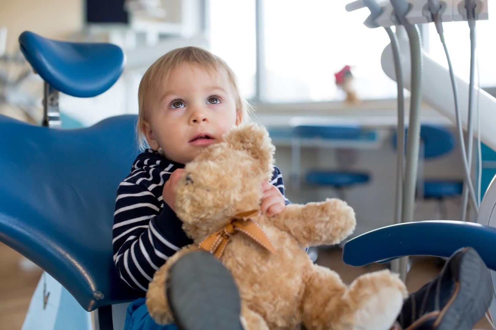 Первый раз к стоматологу: как подготовить ребенка
