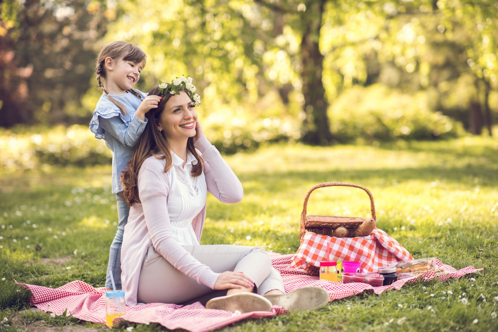 Picnic with the baby: step by step instructions
