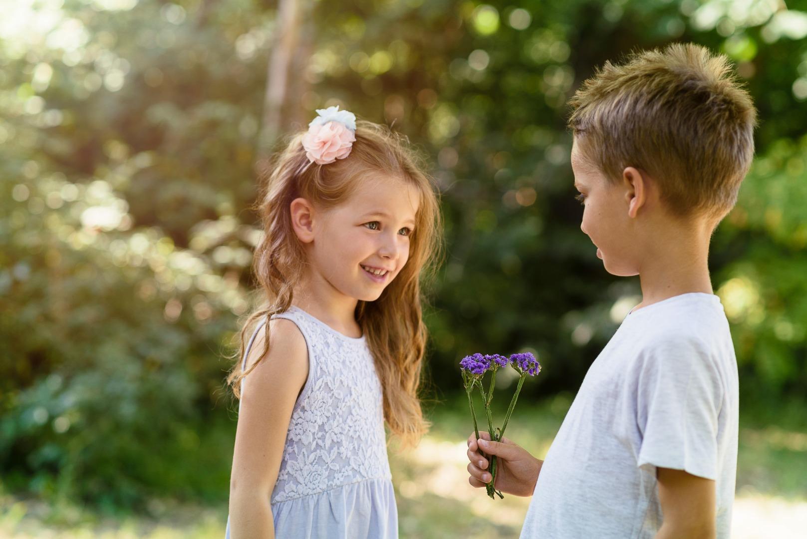 Первая любовь в детском саду: как поддержать кроху?