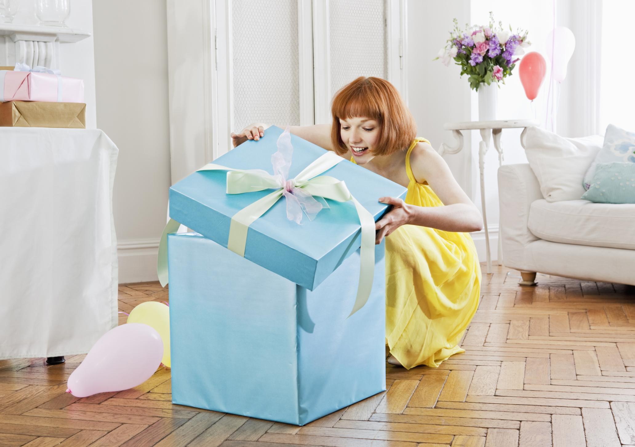 Подарки на 8 Марта: небанальные, здоровые и полезные