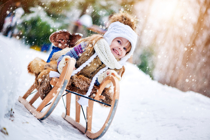 Люби и саночки возить: как выбрать зимний транспорт для детей
