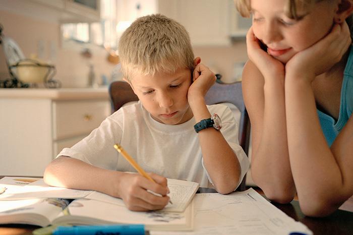 8 шагов к успеху: как помочь ребенку сесть за уроки