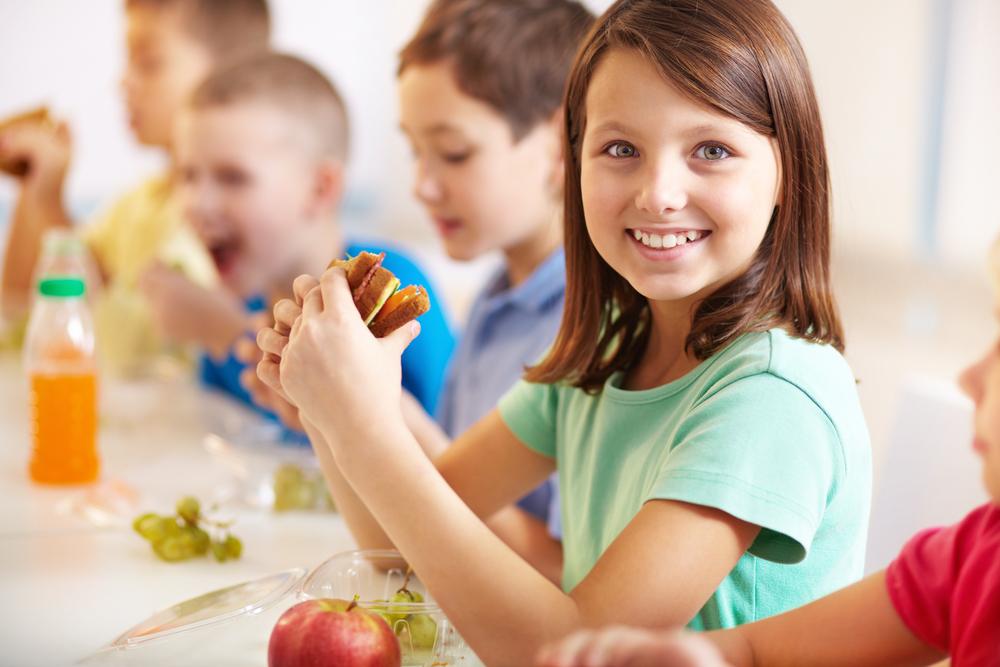 Ученые призывают всегда давать еду ребенку с собой