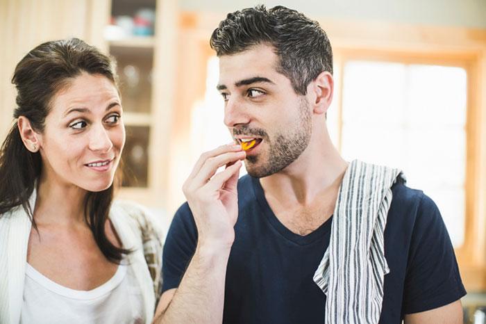 Как незаметно посадить мужчину на диету