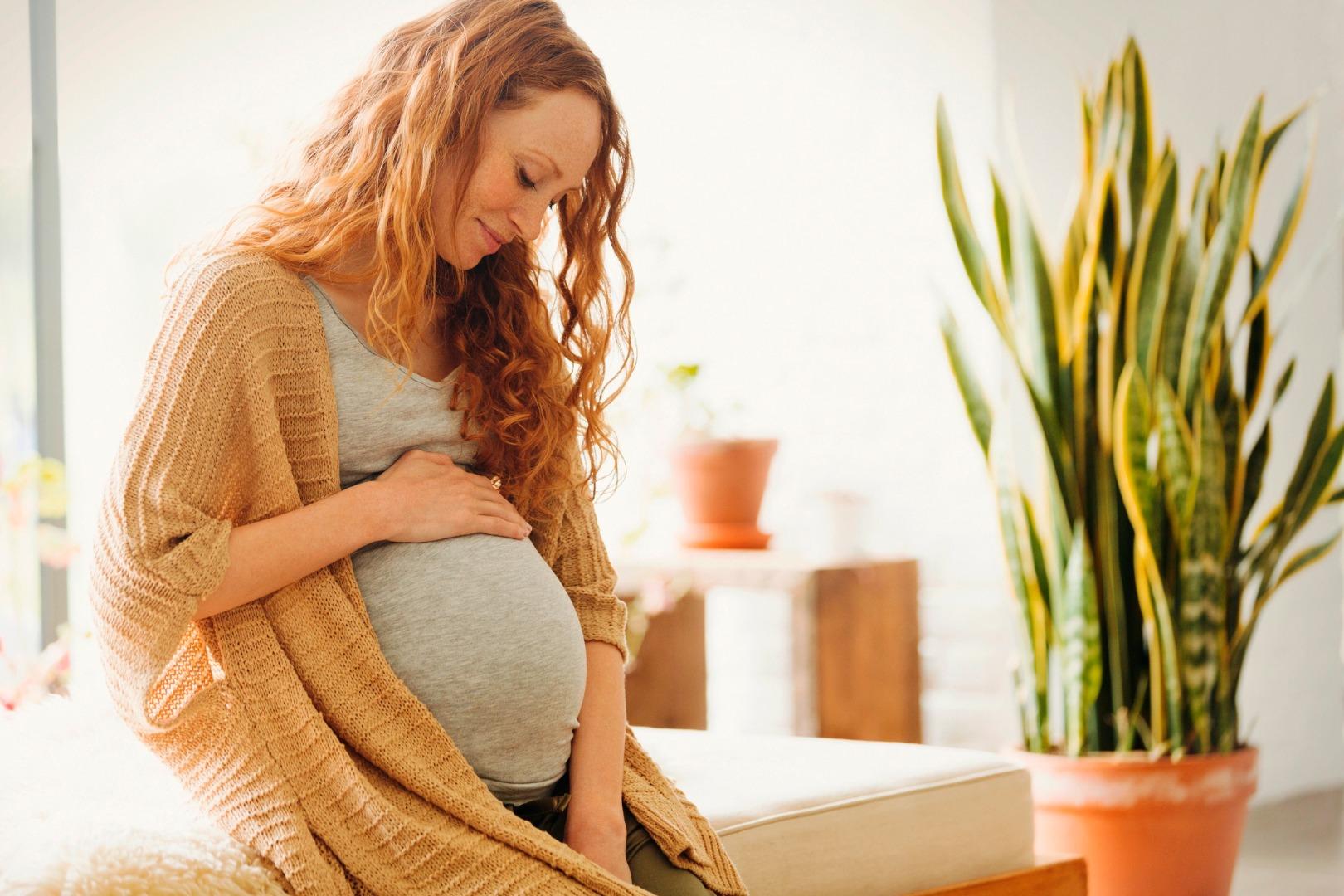 Врач рассказал об опасности коронавируса для беременных