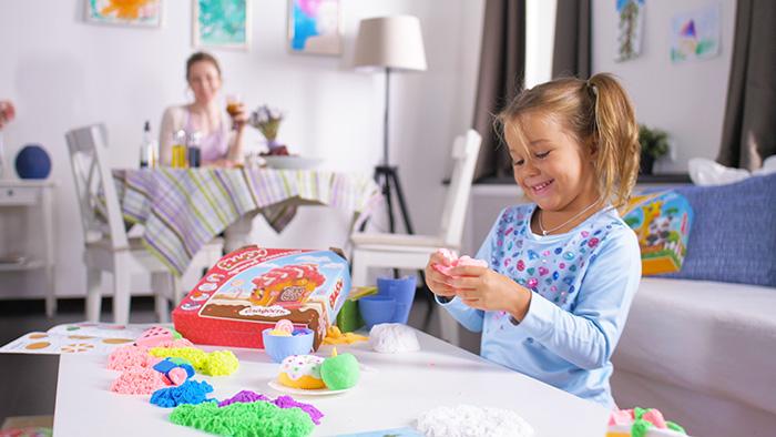 Пушистый пластилин: дети играют, мамы отдыхают